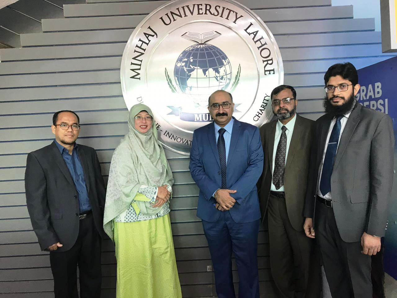 Tazkia Signed MoU with Minhaj University Lahore Pakistan